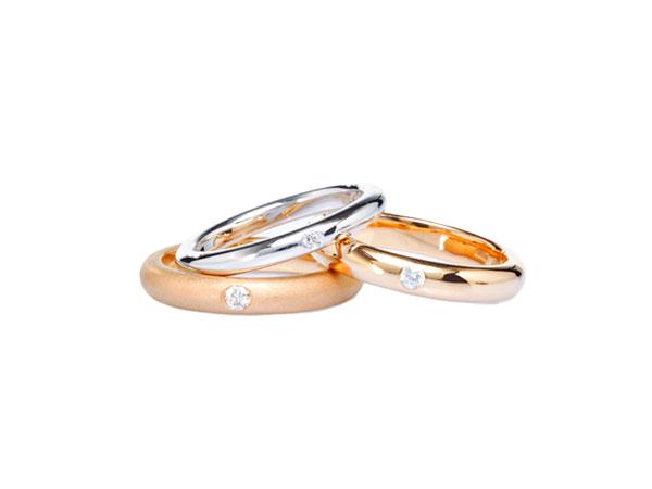 Fedi artigianali che raccontino il vostro amore? Con Giverso il simbolo delle nozze è in oro certificato etico