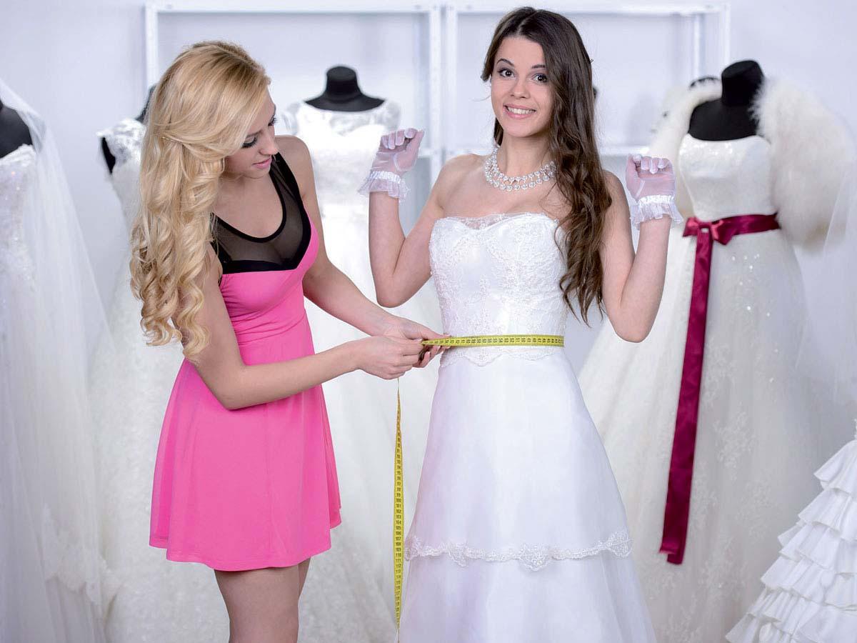 Prove di abiti da sposa: emozionati per la prima volta a NOZZE DA SOGNO