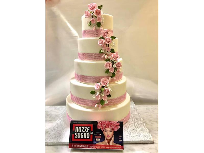 A NOZZE DA SOGNO tante idee per la wedding cake con la consulenza del pasticcere Roberto Miranti delle pasticcerie Cupido e Orsucci